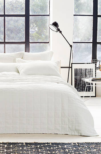Sheridan - Abbotson White Linen Quilted Bedspread / Pillowcases/Eurocases