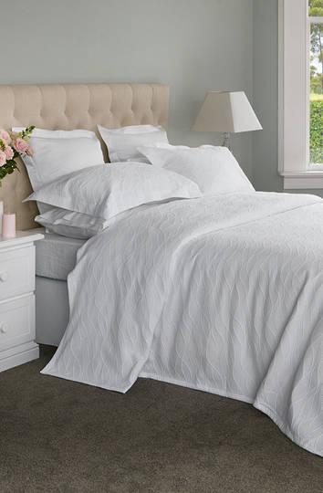 Baksana - Calm Waters Bedspread Set -  White