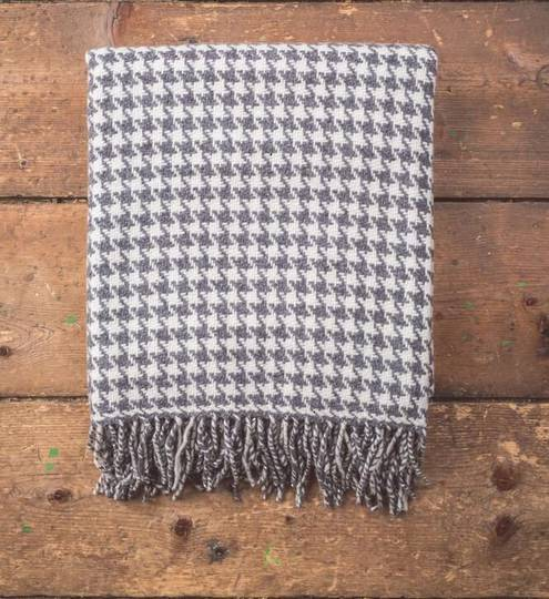 Foxford - Lambswool Throws - Houndstooth Oxford