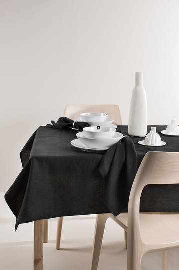 Importico - Himla Tablecloths/Napkins/Table Runner - Black