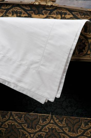 Bianca Lorenne - Ajour Sheets - White / Pillowcases sold separately
