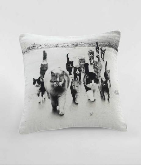MM Linen -  Catmob Cushion
