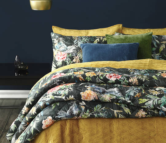 MM Linen  - Kiku Comforter Set