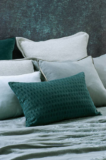 Bianca Lorenne - Lilypad - Teal Cushion