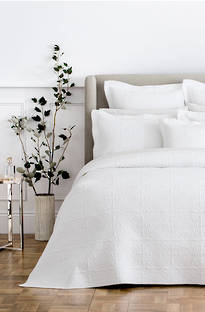 Sheridan Appleton White Bedspread & Cushion