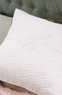 Bianca Lorenne Chrysanthemum Bedspread / Pillowcases - Sold Separately
