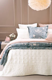 Bianca Lorenne Finola Ivory Bedspread / Pillowcases - Sold Separately