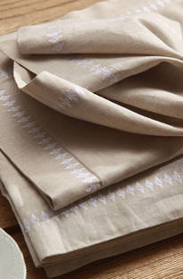 MM Linen Natural French Bee Napery