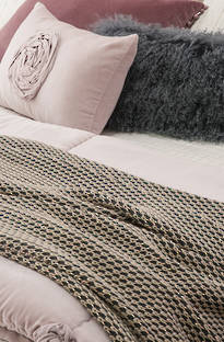 Bianca Lorenne Gubbio Knitted Throw