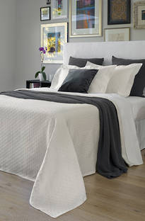 Baksana Eternity Cream Bedspread Set