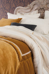 Bianca Lorenne - Luchesi Gold Comforter and Cushion