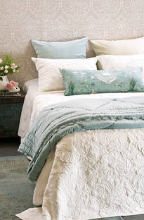Bianca Lorenne Magnolia Ivory Bedspread / Pillowcases - Sold Separately